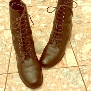 Talbots lace up brown leather boots